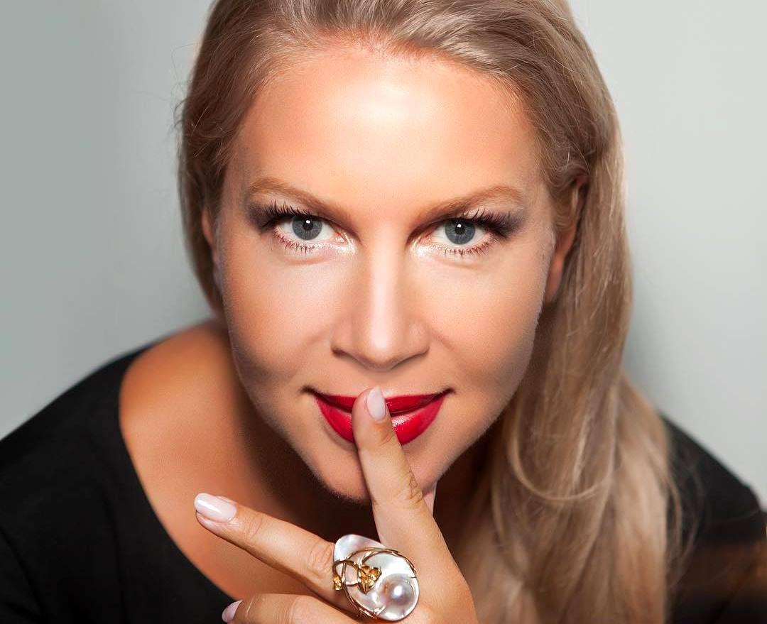 Екатерина Одинцова показала лицо без макияжа