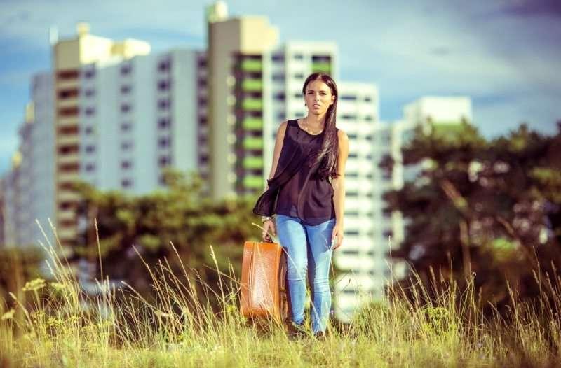 Лучше сделать и пожалеть? Три истории о том, как переезд в другой город отравил жизнь