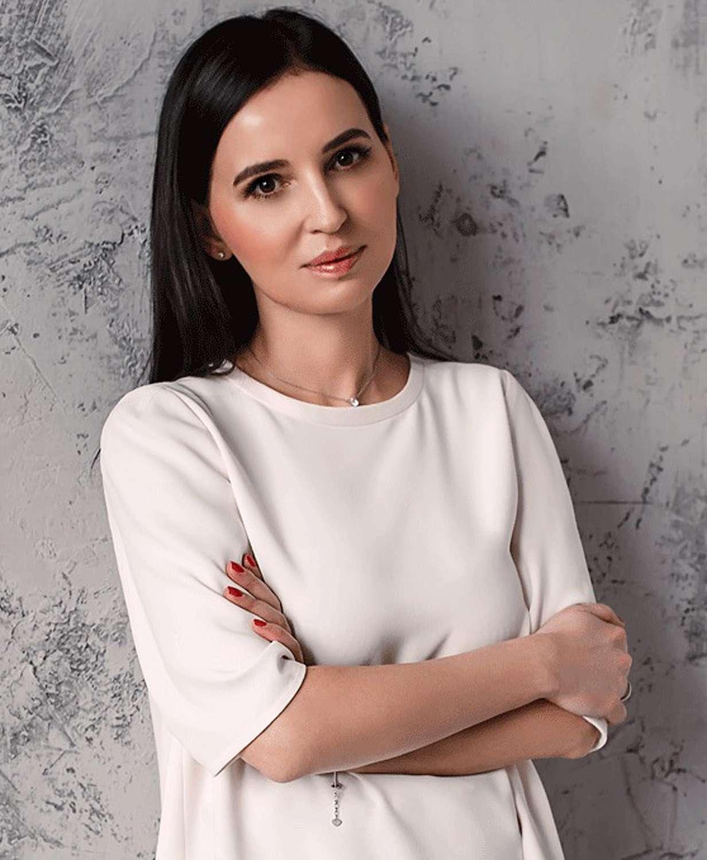 В издательстве «Эксмо» выходит новая книга писателя и журналиста Маши Трауб «Лишние дети»