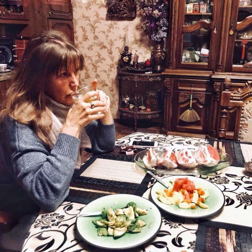 Главное - регулярность: Елена Проклова рассказала о проверенном средстве от целлюлита