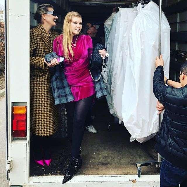 Рената Литвинова с дочерью побывала на Неделе моды в Париже