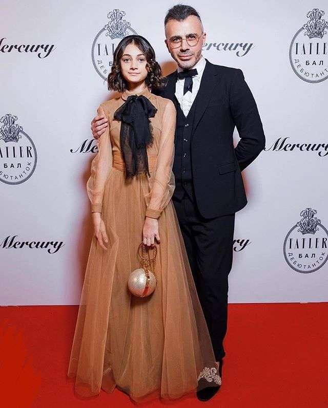 Эвелина Хромченко показала свою фаворитку на состоявшемся балу Tatler