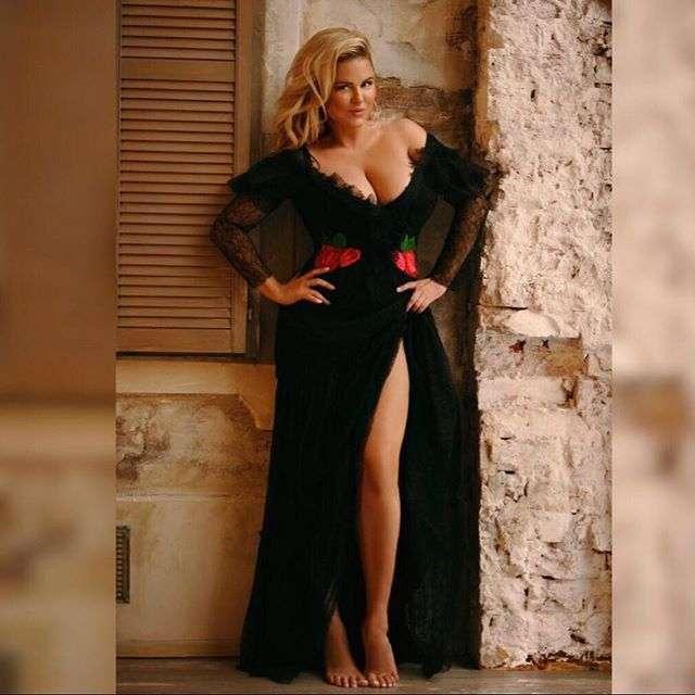 Топ-10 самых откровенных нарядов Анны Семенович