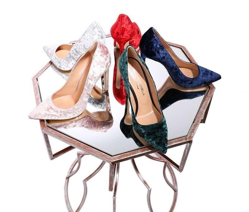 Бархатные туфли – новый летний тренд сезона